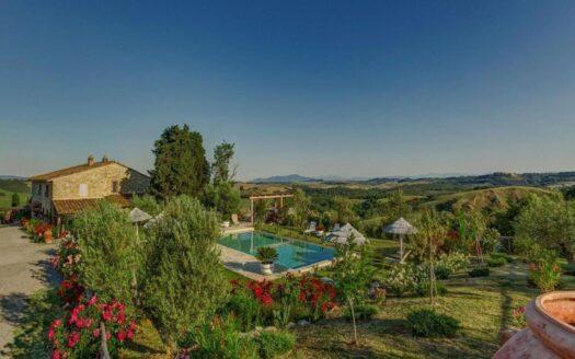 Tuscany-Family-House-full-property