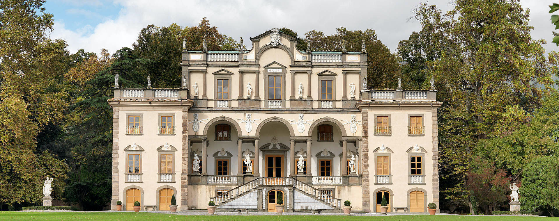 historical villas in tuscany